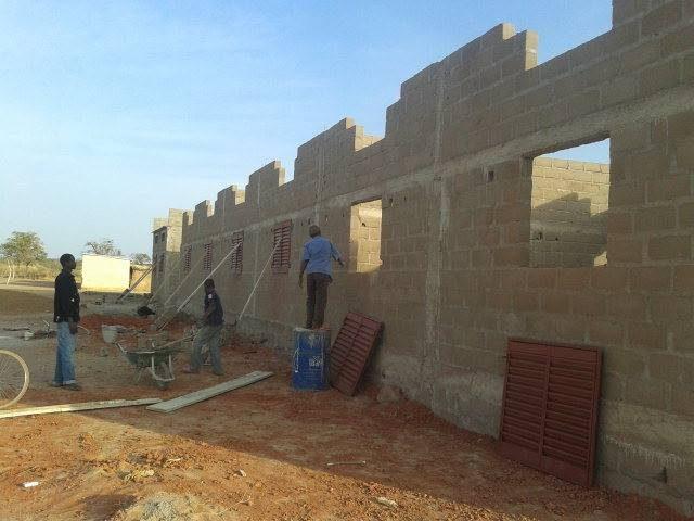 Bau der Sterntaler Schule in Zankenabougou